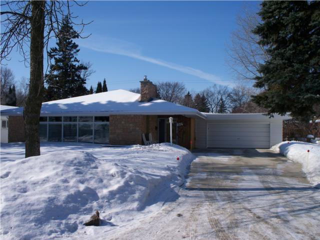 Main Photo: 306 Boreham Boulevard in WINNIPEG: River Heights / Tuxedo / Linden Woods Residential for sale (South Winnipeg)  : MLS®# 1003384