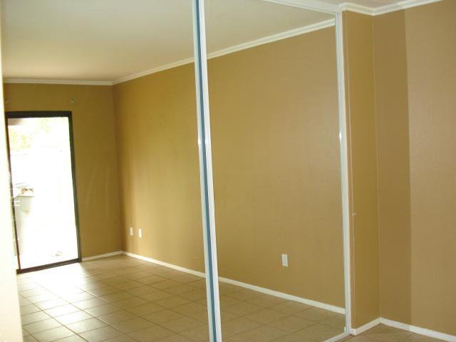 Photo 9: Photos: NORTH ESCONDIDO House for sale : 3 bedrooms : 1689 Madrone Glen in Escondido
