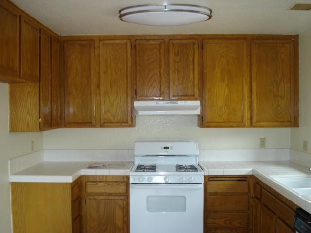 Photo 4: Photos: NORTH ESCONDIDO House for sale : 3 bedrooms : 1689 Madrone Glen in Escondido