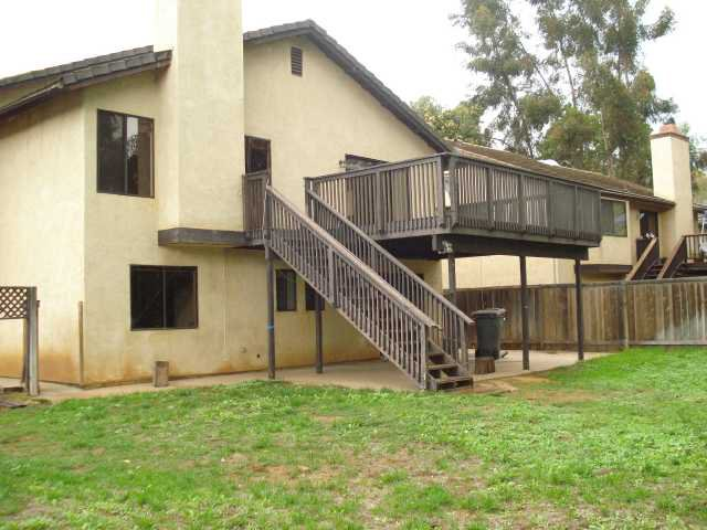 Photo 2: Photos: NORTH ESCONDIDO House for sale : 3 bedrooms : 1689 Madrone Glen in Escondido