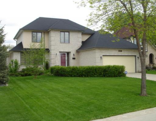 Main Photo: 169 REDVIEW Drive in WINNIPEG: St Vital Residential for sale (South East Winnipeg)  : MLS®# 2910315