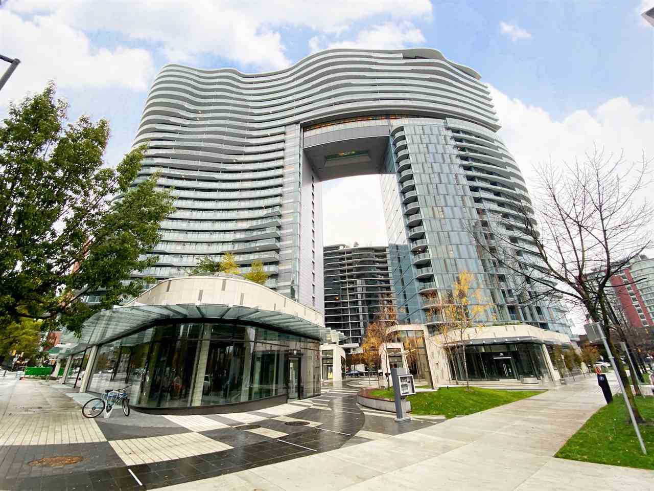 """Main Photo: 2006 89 NELSON Street in Vancouver: Yaletown Condo for sale in """"THE ARC"""" (Vancouver West)  : MLS®# R2415689"""