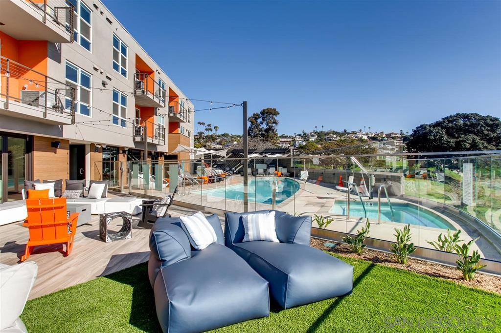 Main Photo: PACIFIC BEACH Apartment for rent : 2 bedrooms : 4275 Mission Bay Dr #319 in San Diego