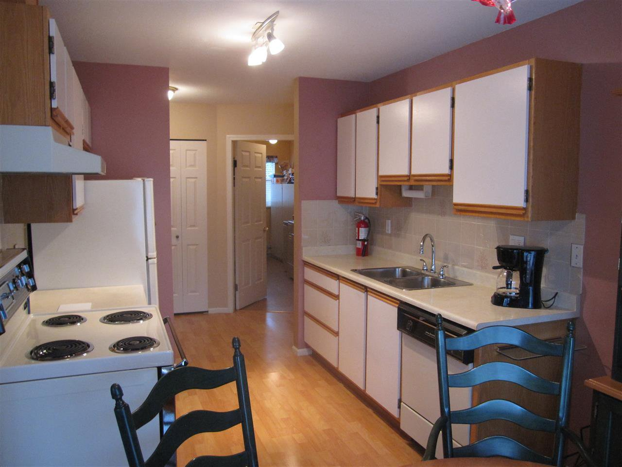 """Photo 4: Photos: 26 12296 224 Street in Maple Ridge: East Central Townhouse for sale in """"The Colonial"""" : MLS®# R2430767"""