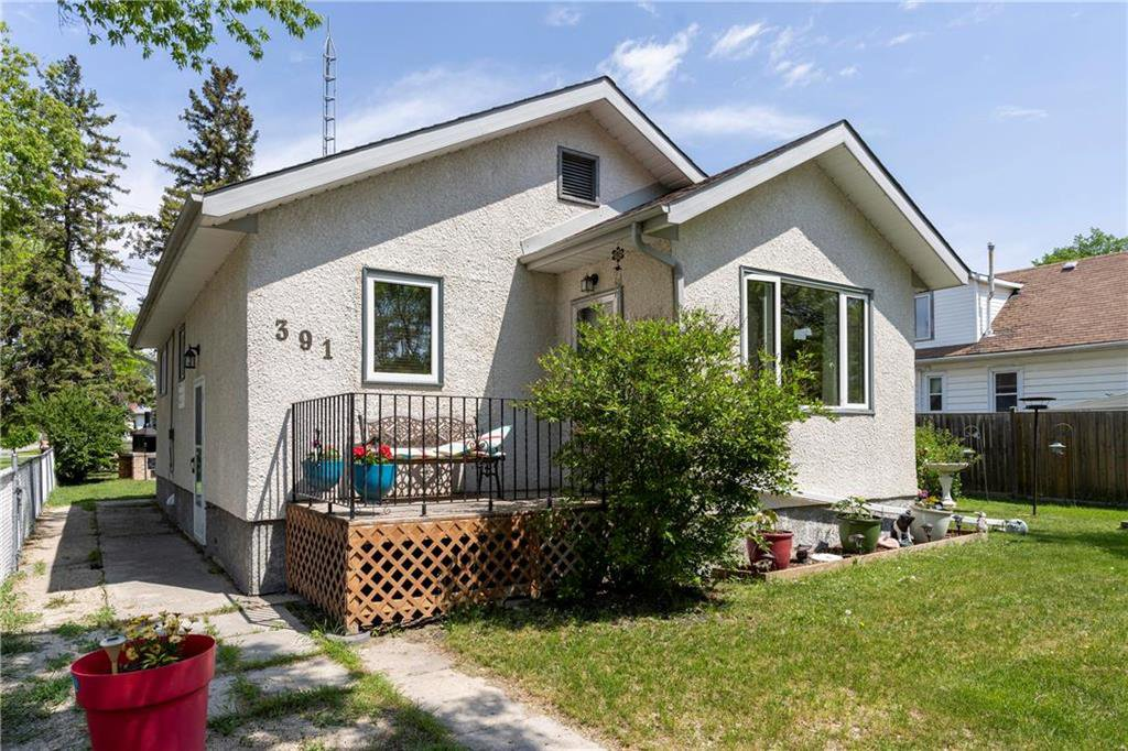Main Photo: 391 Whittier Avenue East in Winnipeg: East Transcona Residential for sale (3M)  : MLS®# 202012208