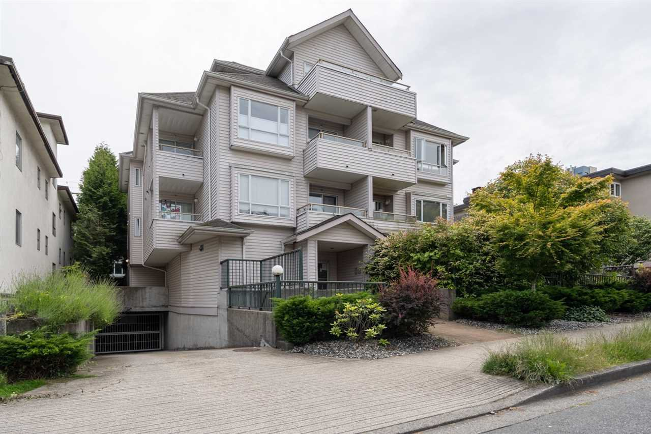 "Main Photo: 301 788 E 8TH Avenue in Vancouver: Mount Pleasant VE Condo for sale in ""Chelsea Court"" (Vancouver East)  : MLS®# R2467820"