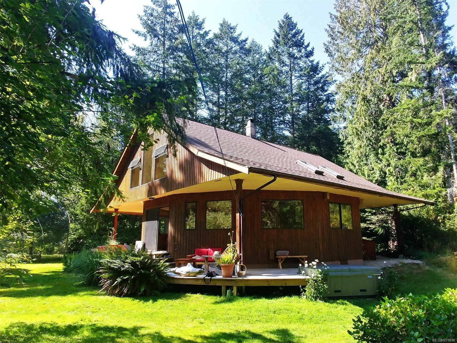 Main Photo: 1600 Perry Rd in : Isl Gabriola Island House for sale (Islands)  : MLS®# 851838
