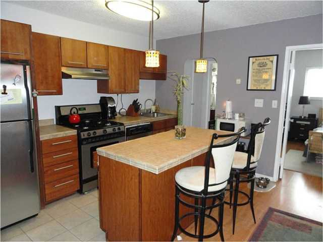 Main Photo: MISSION HILLS Home for sale or rent : 1 bedrooms : 720 Lewis #4 in San Diego
