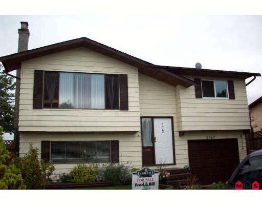 """Main Photo: 2367 WAKEFIELD Court in Langley: Willoughby Heights House for sale in """"Langley Meadows"""" : MLS®# F2824244"""