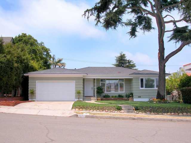 Main Photo: POINT LOMA House for sale : 2 bedrooms : 3732 Wawona Drive in San Diego