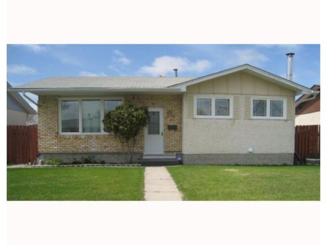 Main Photo: 75 MANKATO in WINNIPEG: Maples / Tyndall Park Residential for sale (North West Winnipeg)  : MLS®# 2908573