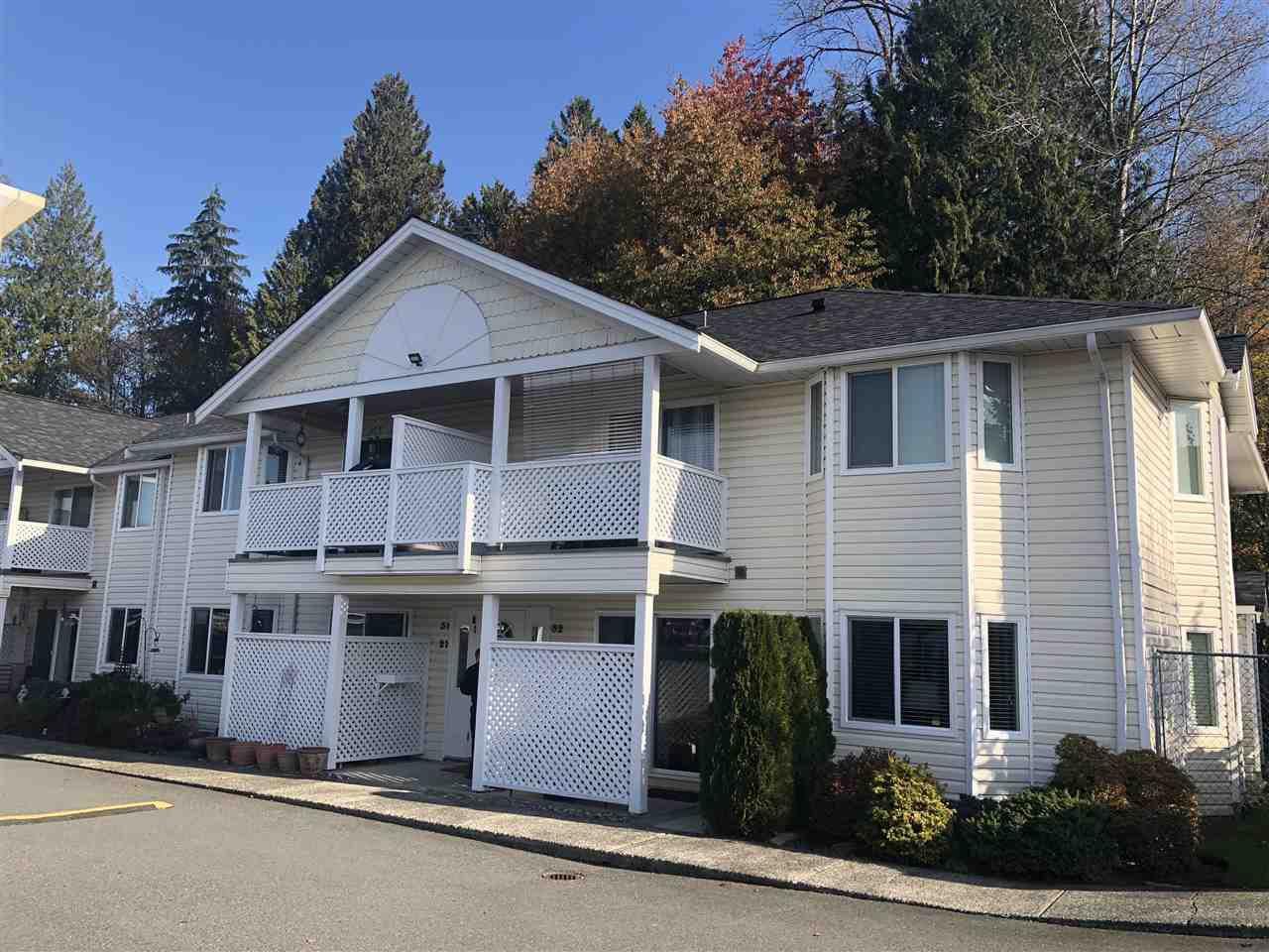 "Main Photo: 31 20799 119 Avenue in Maple Ridge: Southwest Maple Ridge Townhouse for sale in ""MEADOW RIDGE ESTATE"" : MLS®# R2416833"