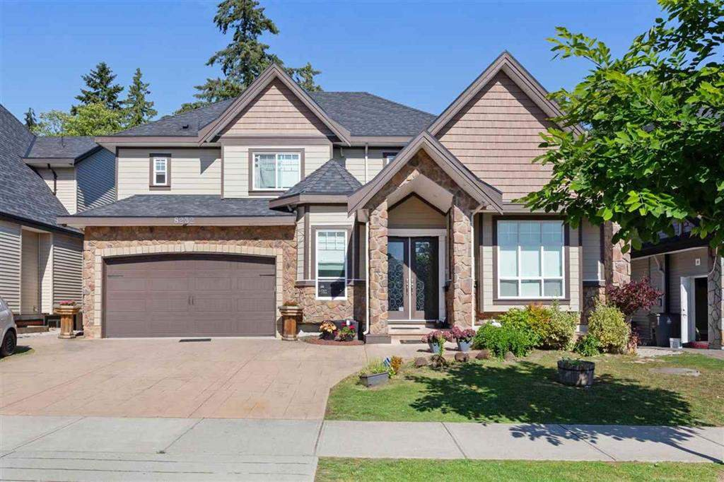 Main Photo: 8232 144A Street in Surrey: Bear Creek Green Timbers House for sale : MLS®# R2457945