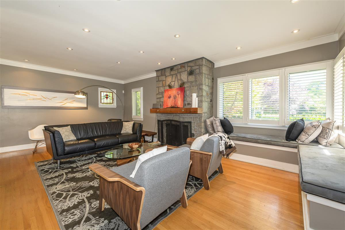 Photo 2: Photos: 6089 BLENHEIM Street in Vancouver: Southlands House for sale (Vancouver West)  : MLS®# R2494439
