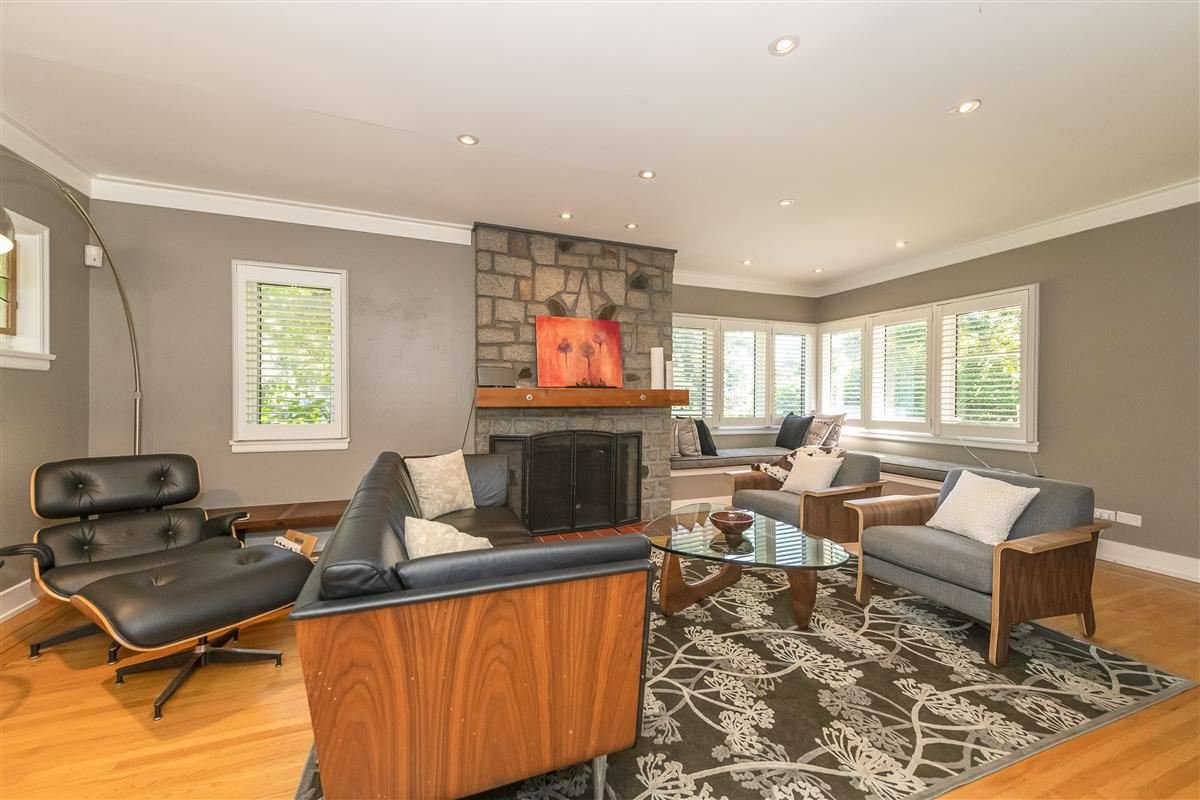Photo 3: Photos: 6089 BLENHEIM Street in Vancouver: Southlands House for sale (Vancouver West)  : MLS®# R2494439