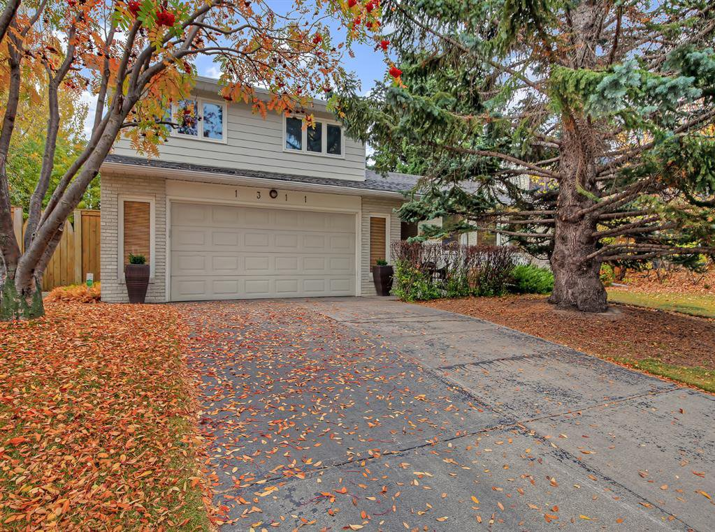 Main Photo: 1311 Kerwood Crescent SW in Calgary: Kelvin Grove Detached for sale : MLS®# A1041967