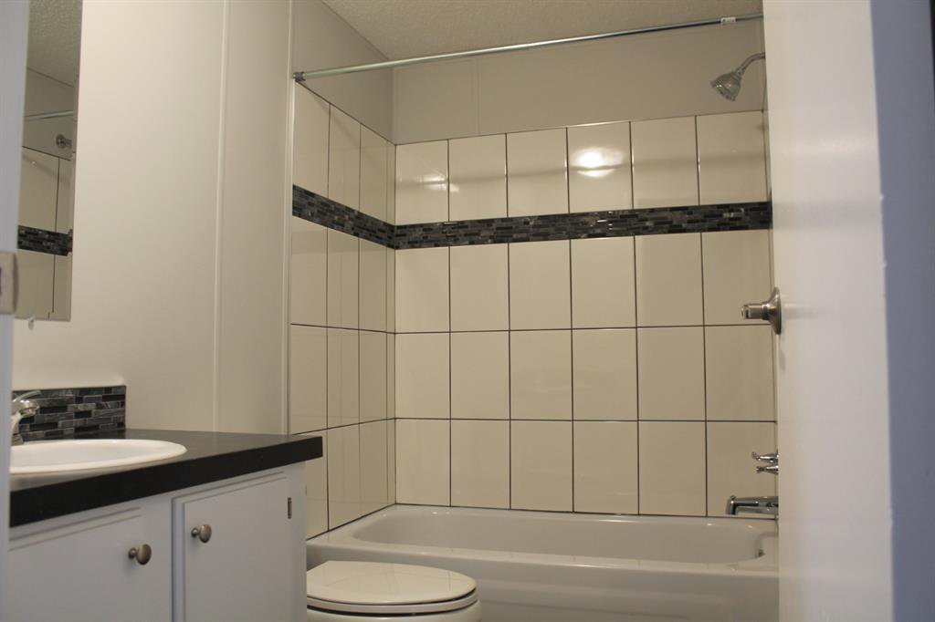 Photo 13: Photos: 75 9090 24 Street SE in Calgary: Riverbend Mobile for sale : MLS®# A1049275