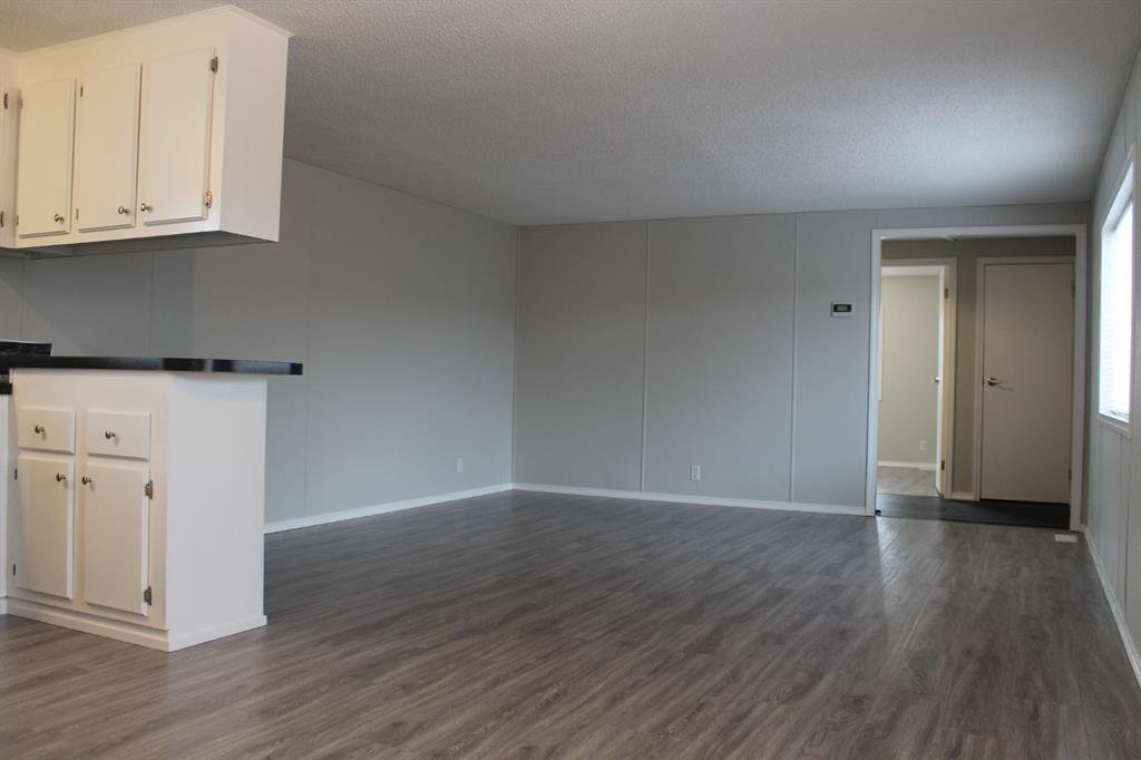 Photo 6: Photos: 75 9090 24 Street SE in Calgary: Riverbend Mobile for sale : MLS®# A1049275