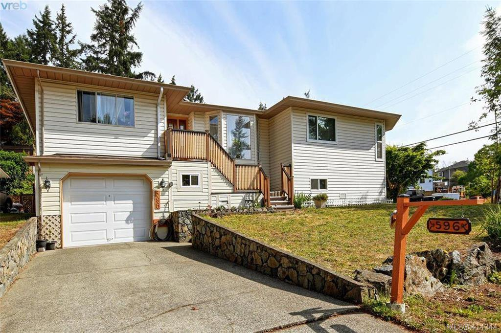 Main Photo: 596 Phelps Ave in VICTORIA: La Thetis Heights Half Duplex for sale (Langford)  : MLS®# 821848