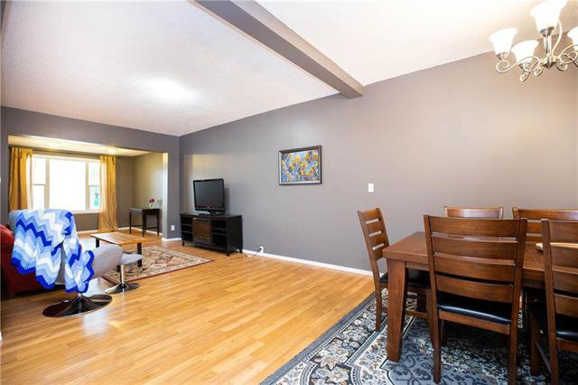 Photo 3: Photos: 470 Walker Avenue in Winnipeg: Fort Rouge Residential for sale (1Aw)  : MLS®# 1926182