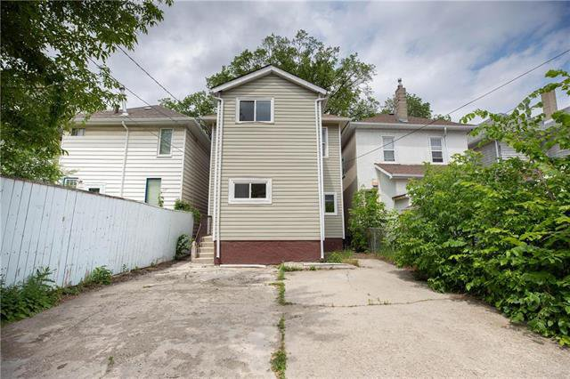 Photo 13: Photos: 470 Walker Avenue in Winnipeg: Fort Rouge Residential for sale (1Aw)  : MLS®# 1926182