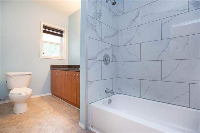 Photo 11: Photos: 470 Walker Avenue in Winnipeg: Fort Rouge Residential for sale (1Aw)  : MLS®# 1926182