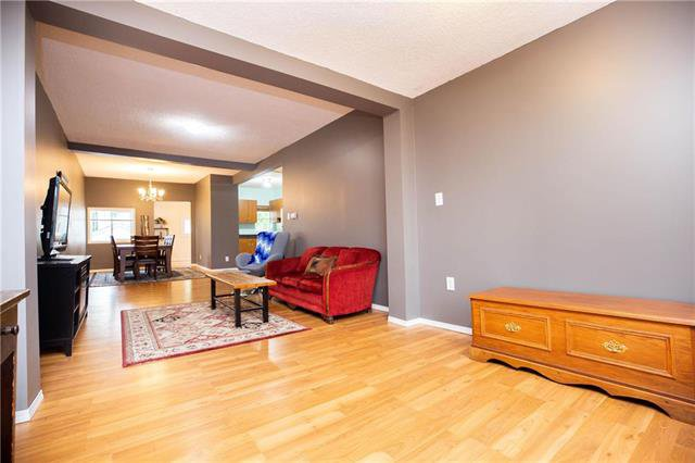Photo 4: Photos: 470 Walker Avenue in Winnipeg: Fort Rouge Residential for sale (1Aw)  : MLS®# 1926182