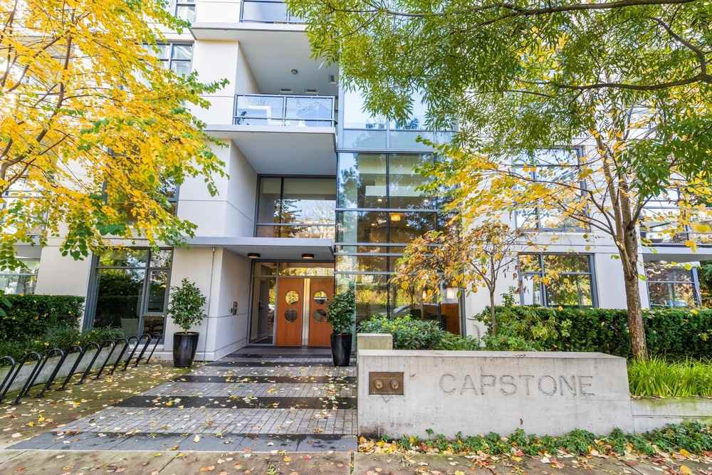 """Main Photo: 102 135 W 2ND Street in North Vancouver: Lower Lonsdale Condo for sale in """"CAPSTONE"""" : MLS®# R2432997"""