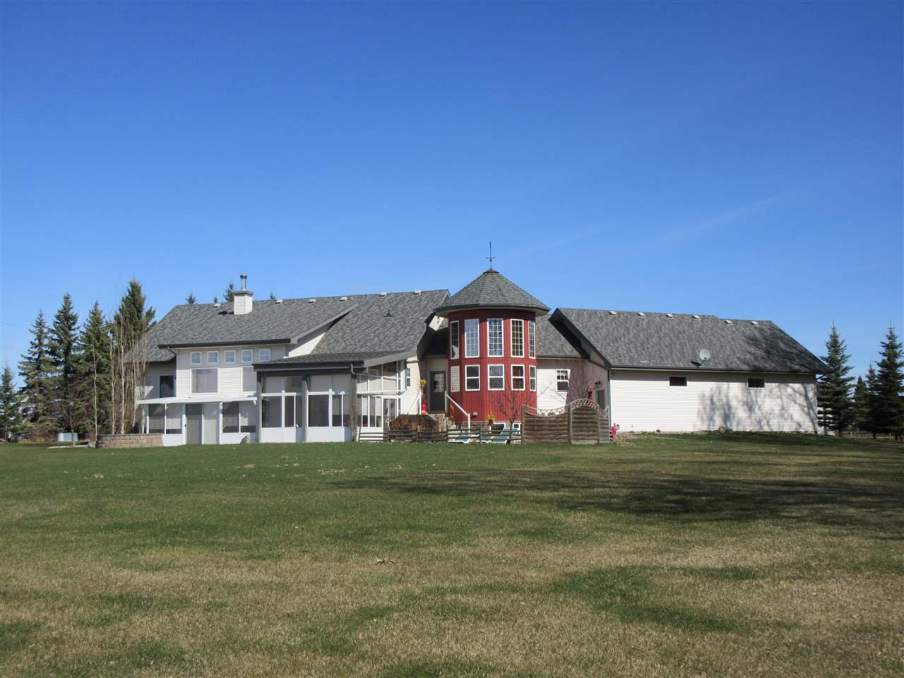 Main Photo: 24315 TWP RD 552: Rural Sturgeon County House for sale : MLS®# E4187746