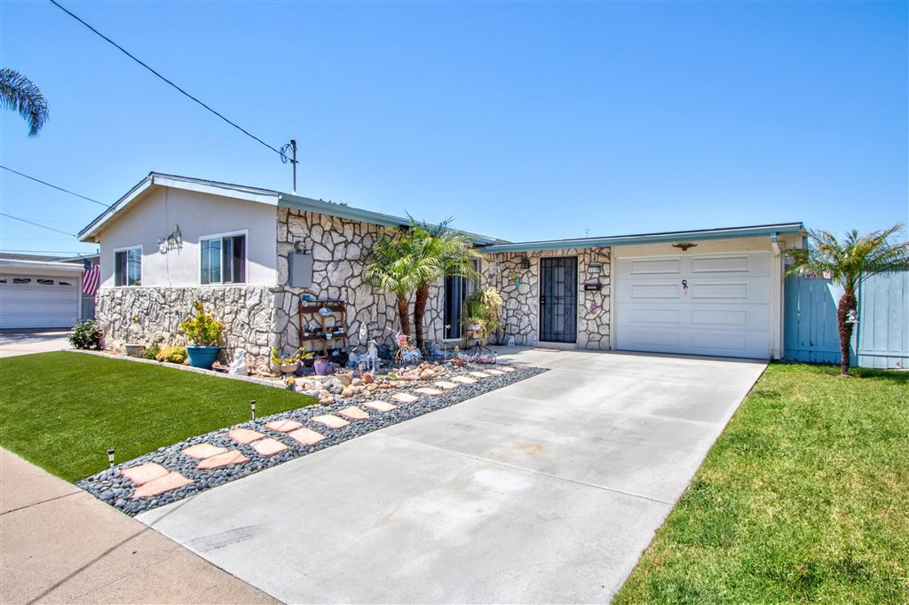 Main Photo: CLAIREMONT House for sale : 3 bedrooms : 5250 Conrad Ave. in San Diego