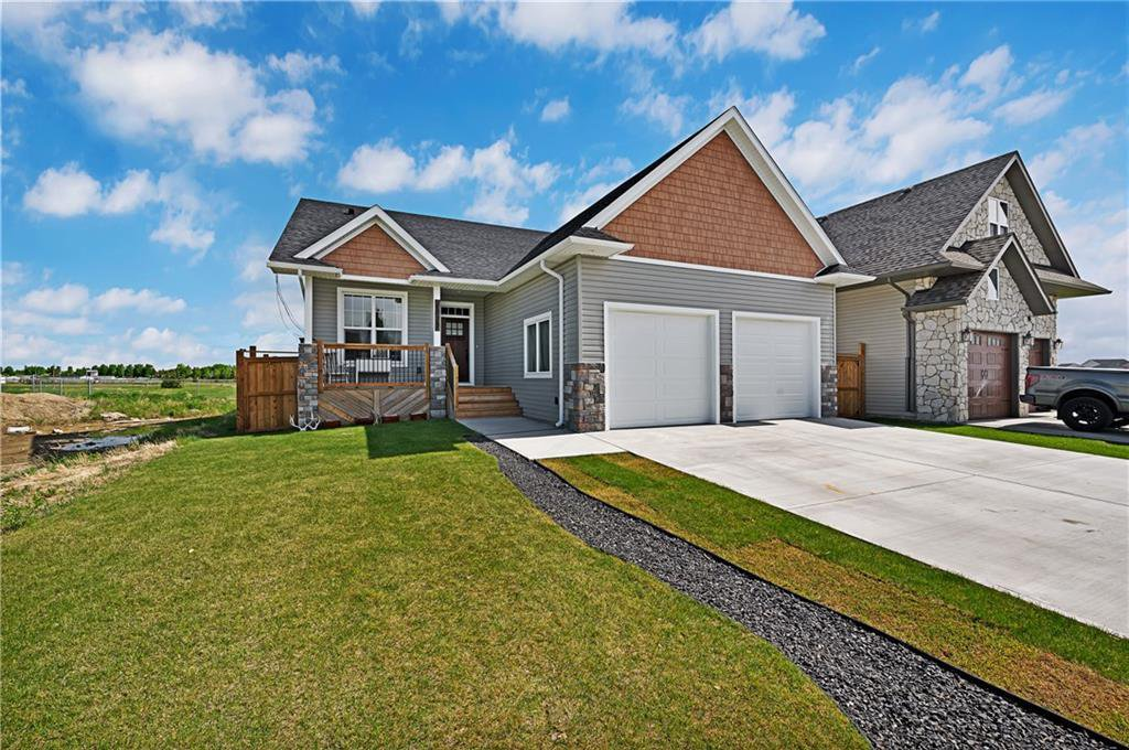 Main Photo: 1022 Carriage Lane Drive: Carstairs Detached for sale : MLS®# C4300327