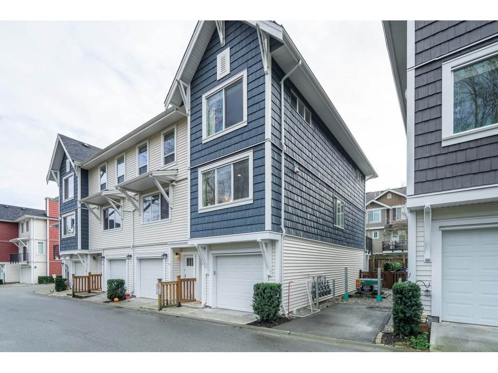"Main Photo: 40 3039 156 Street in Surrey: Grandview Surrey Townhouse for sale in ""NICHE"" (South Surrey White Rock)  : MLS®# R2526239"