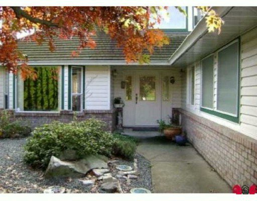 Main Photo: 27756 BERGMAN Street in Abbotsford: Aberdeen House for sale : MLS®# F2925980