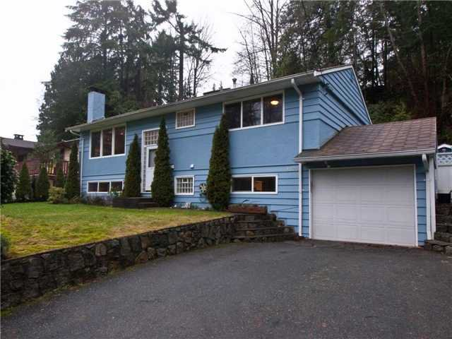 """Main Photo: 1875 ARBORLYNN Drive in North Vancouver: Westlynn House for sale in """"WESTLYN"""" : MLS®# V868434"""