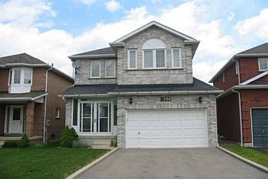 Main Photo: 6201 Mccracken Drive in Mississauga: House (2-Storey) for sale (W19: MISSISSAUGA)  : MLS®# W1406703
