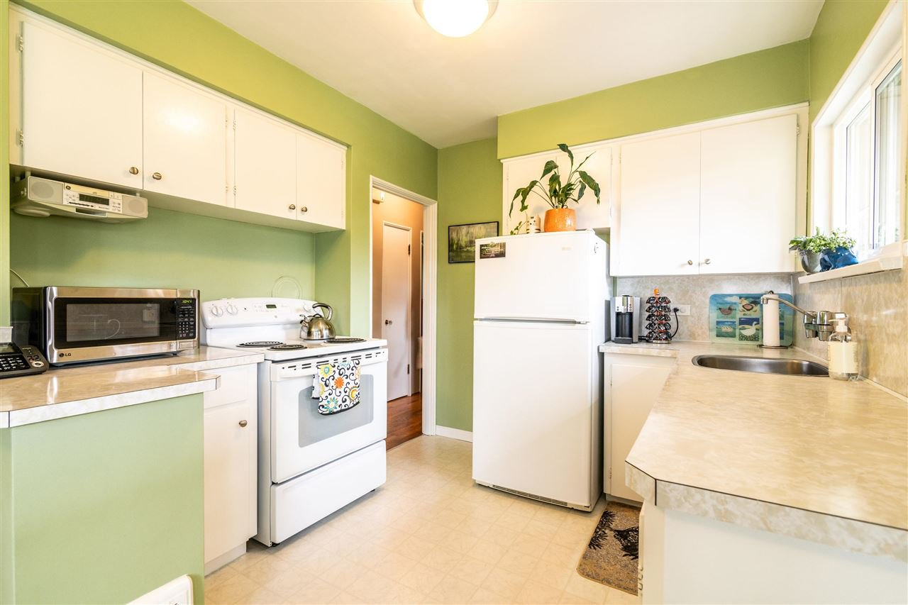 Photo 10: Photos: 116 GLOVER Avenue in New Westminster: GlenBrooke North House for sale : MLS®# R2394361
