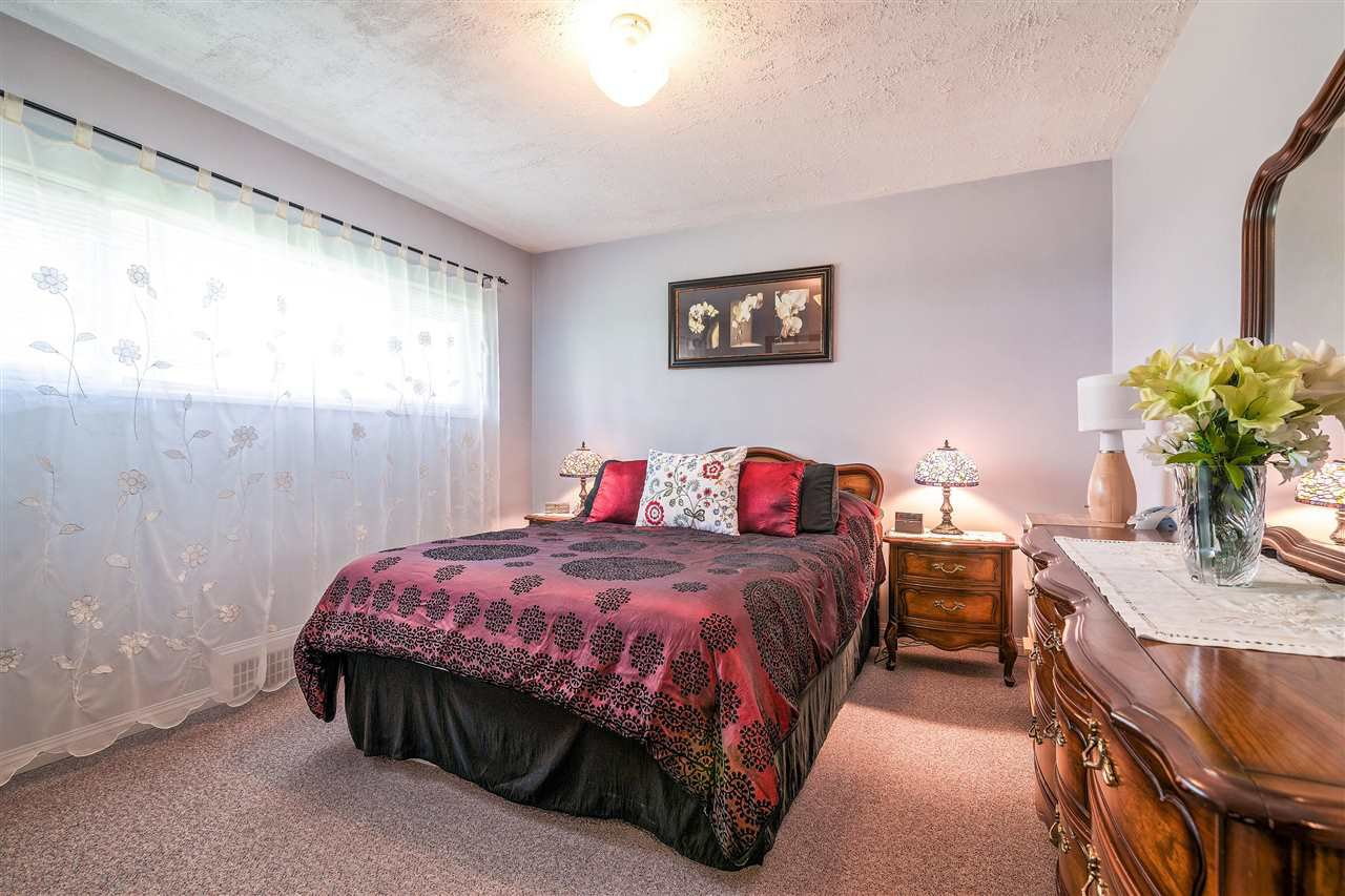 Photo 6: Photos: 116 GLOVER Avenue in New Westminster: GlenBrooke North House for sale : MLS®# R2394361