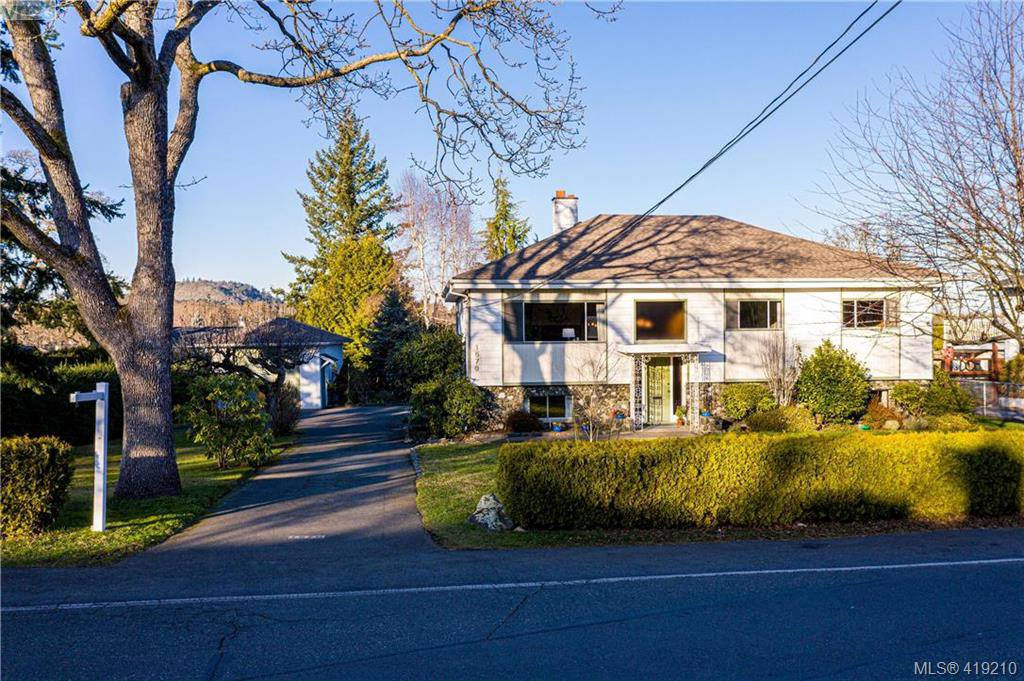 Quiet location steps from University Heights Shopping center.