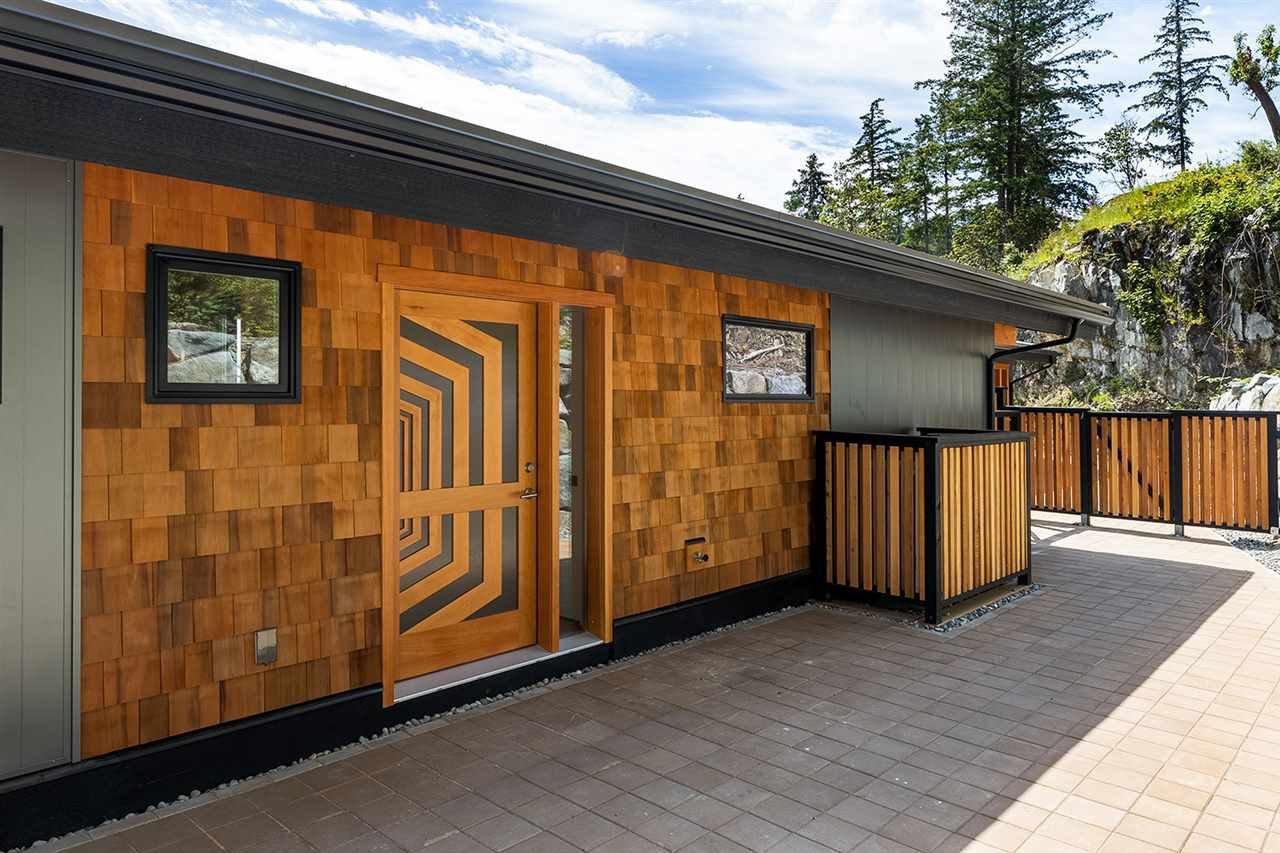 "Main Photo: 240 SHORE Lane: Bowen Island House for sale in ""SEYMOUR SHORES"" : MLS®# R2461118"