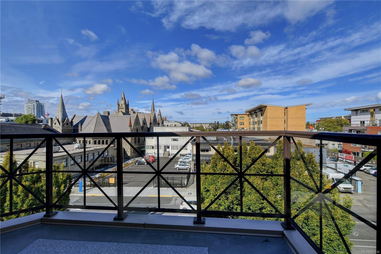 Main Photo: 403 935 Johnson St in : Vi Downtown Condo for sale (Victoria)  : MLS®# 856534