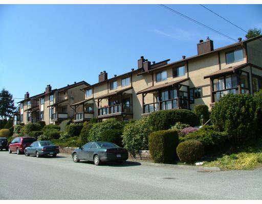 Main Photo: 3 565 SEAVIEW Road in Gibsons: Gibsons & Area Townhouse for sale (Sunshine Coast)  : MLS®# V768347