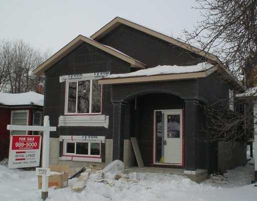 Main Photo: 127 HARTFORD Avenue in WINNIPEG: West Kildonan / Garden City Single Family Detached for sale (North West Winnipeg)  : MLS®# 2700615