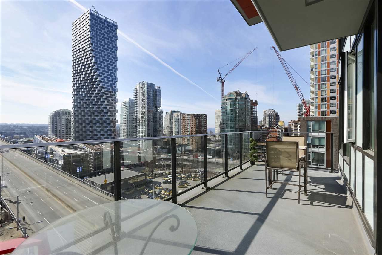 Main Photo: 1112 1325 ROLSTON STREET in Vancouver: Downtown VW Condo for sale (Vancouver West)  : MLS®# R2446026