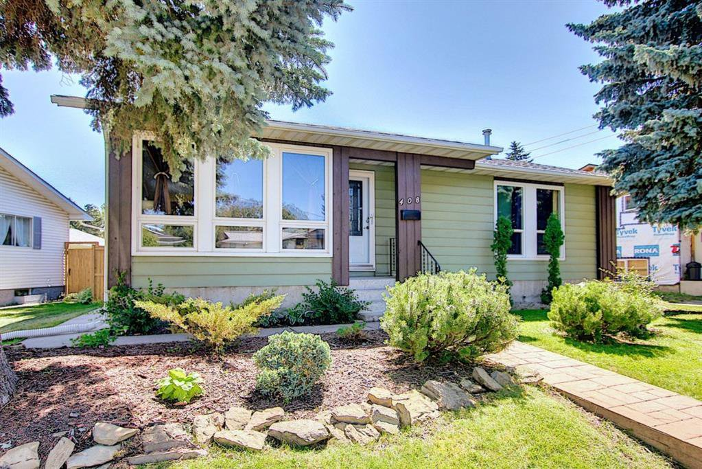 Main Photo: 408 QUEENSLAND Circle SE in Calgary: Queensland Detached for sale : MLS®# A1020270