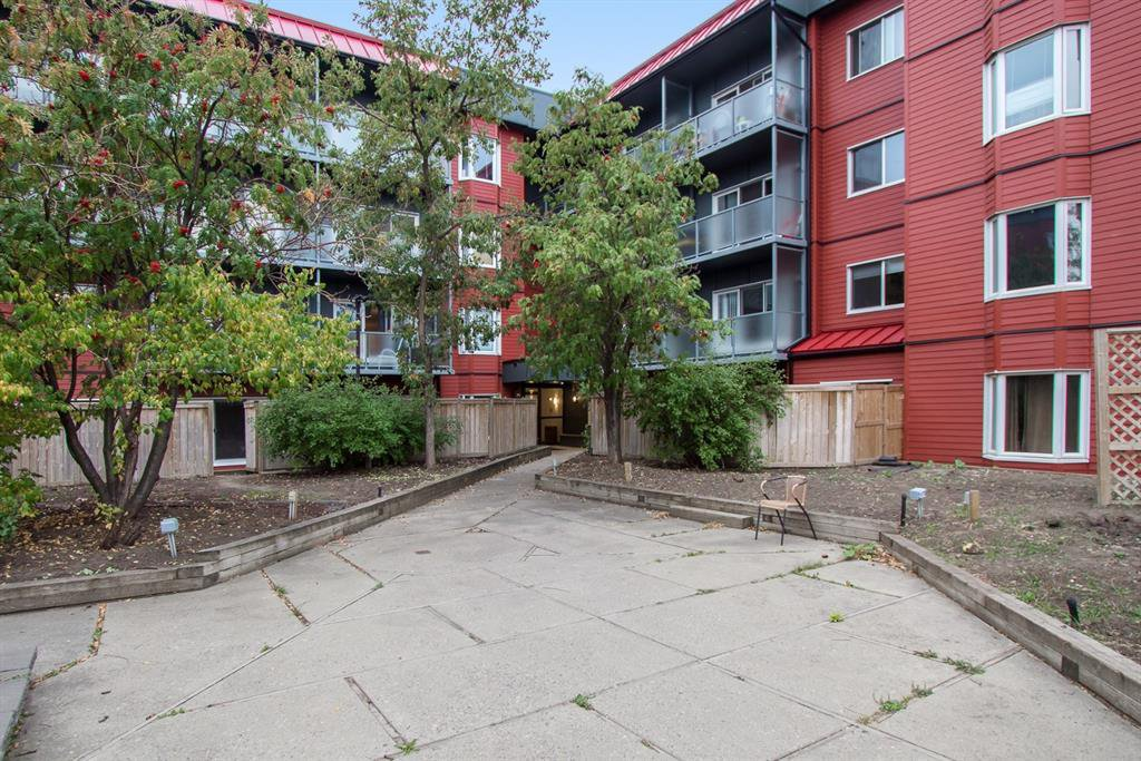 Main Photo: 318 333 GARRY Crescent NE in Calgary: Greenview Apartment for sale : MLS®# A1035782