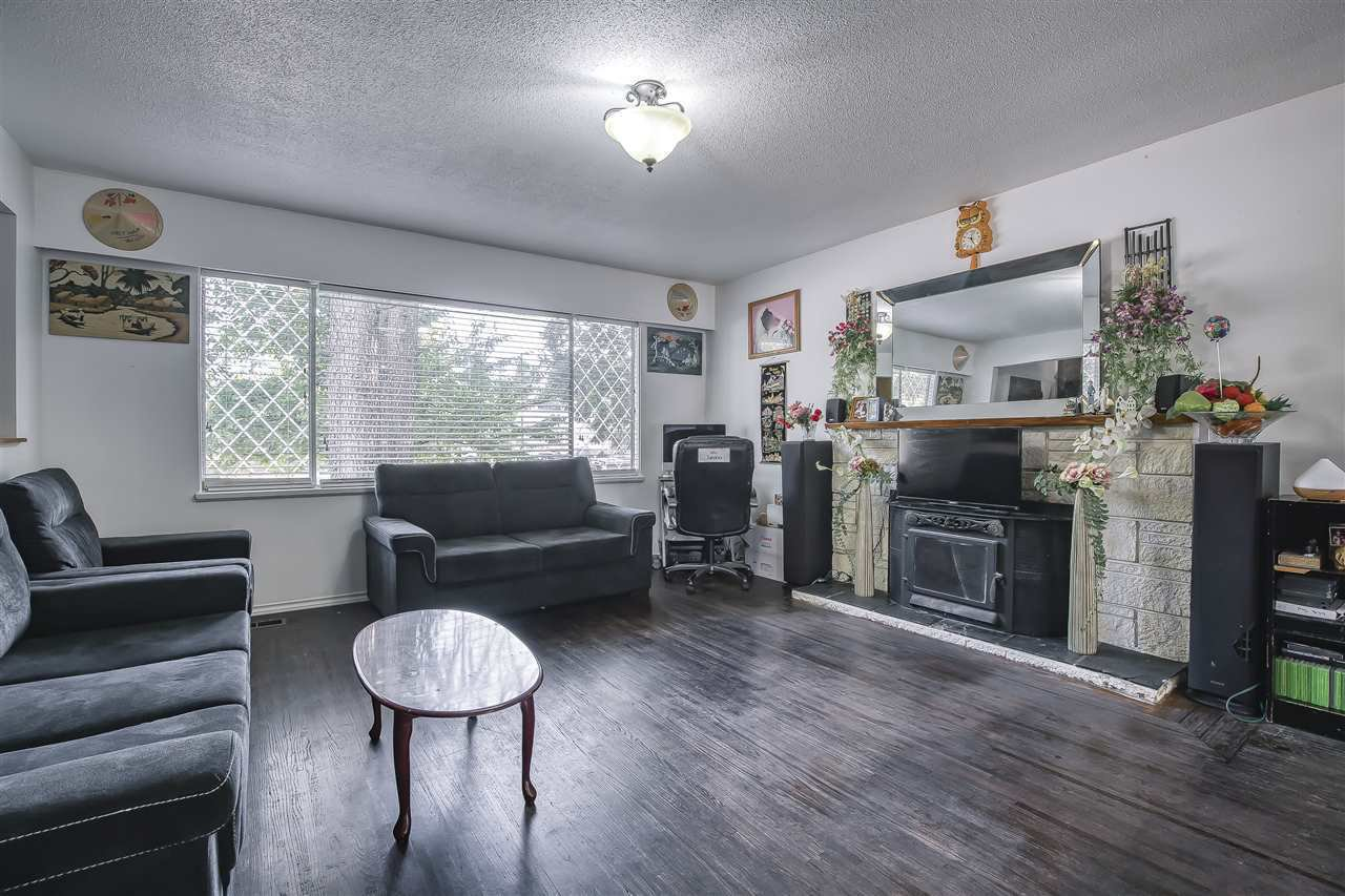 Main Photo: 15177 PHEASANT Drive in Surrey: Bolivar Heights House for sale (North Surrey)  : MLS®# R2526421