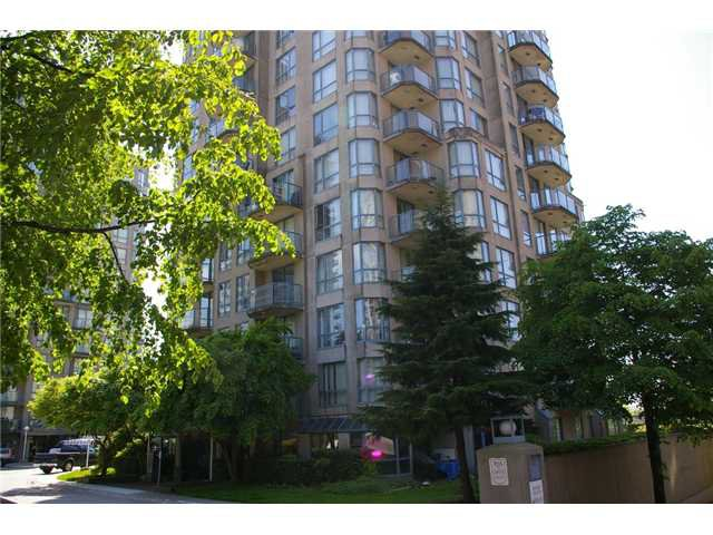 "Main Photo: 908 838 AGNES Street in New Westminster: Downtown NW Condo for sale in ""WESTMINSTER TOWER"" : MLS®# V830069"