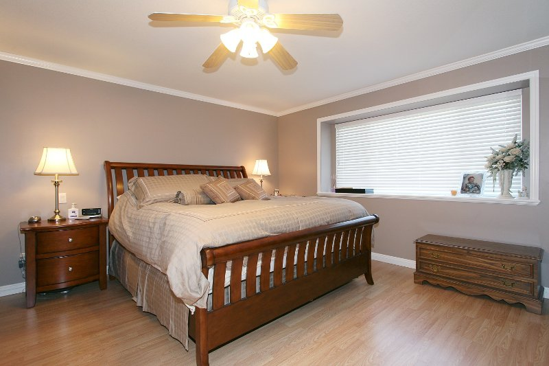 Photo 7: Photos: 719 LINTON Street in Coquitlam: Central Coquitlam House for sale : MLS®# V840657