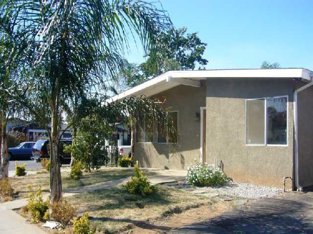Main Photo: EAST ESCONDIDO Condo for sale : 2 bedrooms : 1638 E. Grand Ave. in Escondido