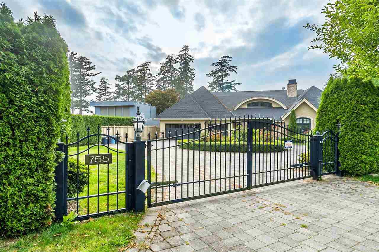 Main Photo: 755 GLENWOOD Drive in Delta: English Bluff House for sale (Tsawwassen)  : MLS®# R2499225